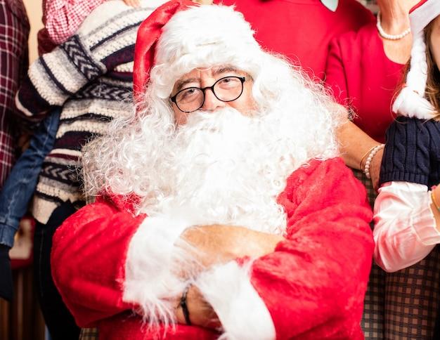 Santa z ramion krzyża