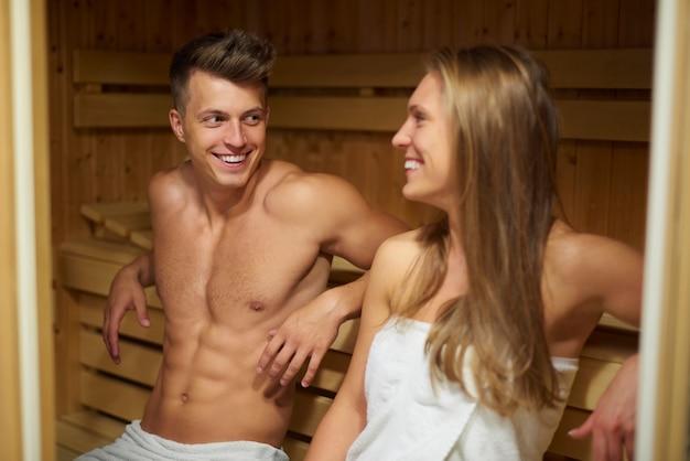 Sauna sprawia, że czujemy się bardziej zrelaksowani