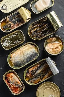 Saury, makrela, szproty, sardynki, sardynki, kalmary, tuńczyk