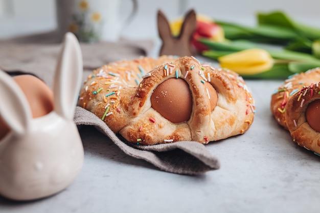 Scarcella, tradycyjne ciasto na święta wielkanocne w regionie apulia we włoszech