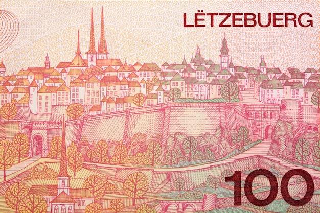 Scena miasta luksemburga z pieniędzy