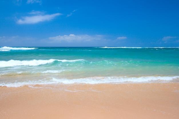 Scena spokojnej plaży