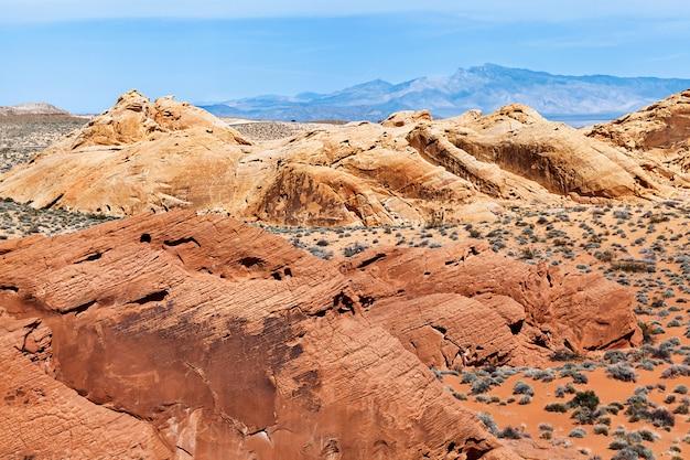 Sceneria krajobraz formacje skalne w valley of fire state park, podróż w usa