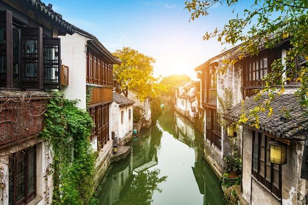 Sceneria zhouzhuang antyczny miasteczko, suzhou, chiny