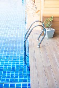 Schody basenowe