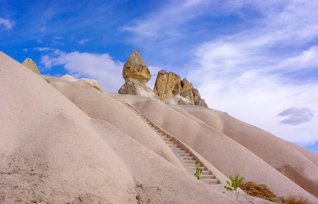 Schody wulkaniczny czub w cappadocia
