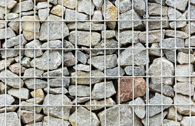 Ściana z kamieni