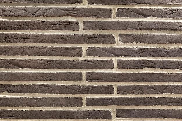 Ściana z ozdobnych cegieł