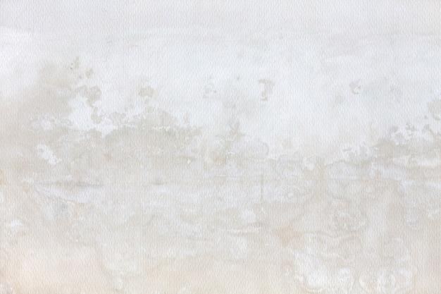 Ściana z plamami wilgoci
