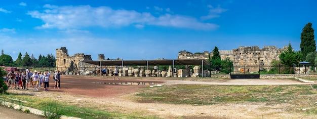 Ściany hierapolis antyczny miasto w pamukkale, turcja