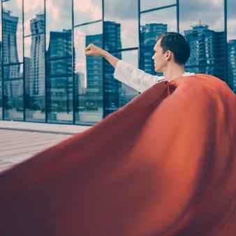 Ścieśniać. lekarz superbohatera jest gotowy do pomocy. zdjęcie z kopią miejsca.