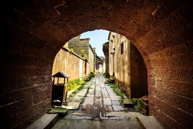 Ścieżka wiejskiej alei