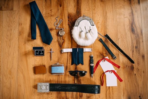Scotsman sporrans akcesoria zegarek kieszonkowy na łańcuszku spinki do mankietów pasek z krzyżem nóż kieliszki