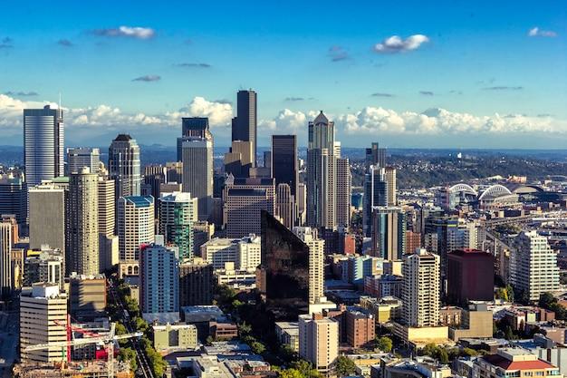 Seattle w centrum widok, miasto linia horyzontu na słonecznym dniu