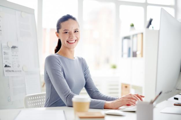 Sekretarz w biurze