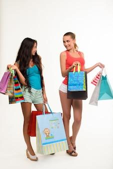 Seksowne dziewczyny na zakupy.