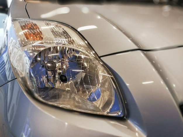 Selektywne focus punkt na samochód lampy reflektorów