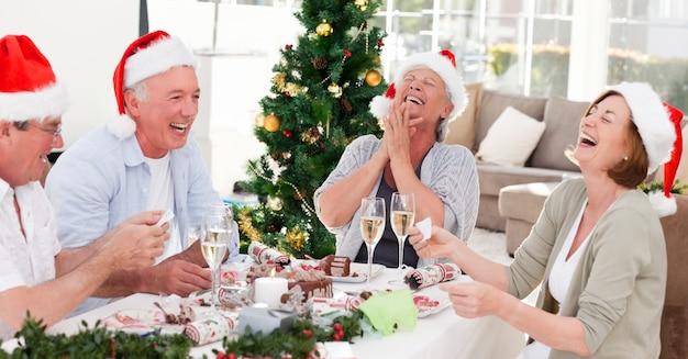 Seniorzy na boże narodzenie w domu