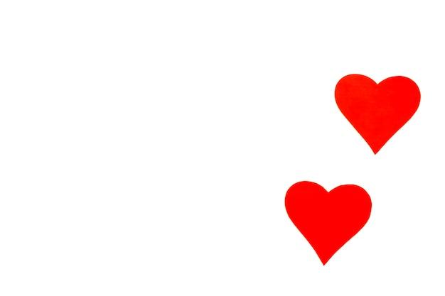 Serca z czerwonego papieru