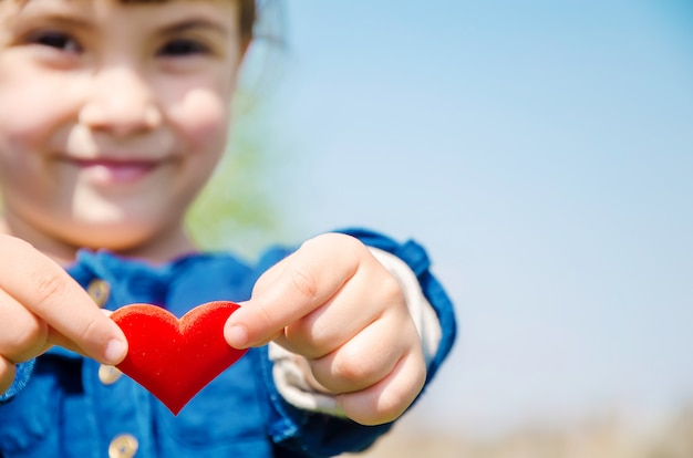 Serce jest w rękach dziecka
