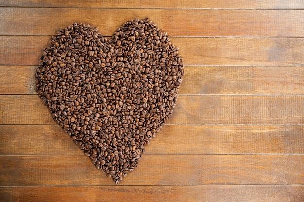 Serce w kształcie ziaren kawy