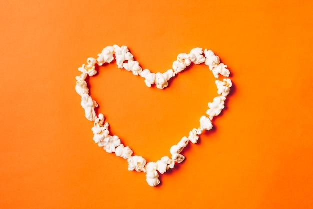 Serce z popcornu
