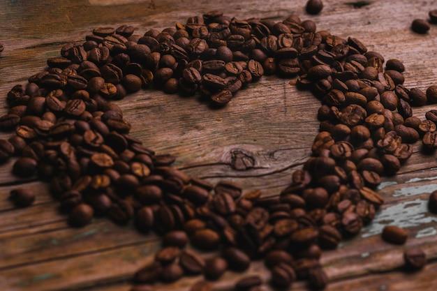 Serce z ziaren kawy