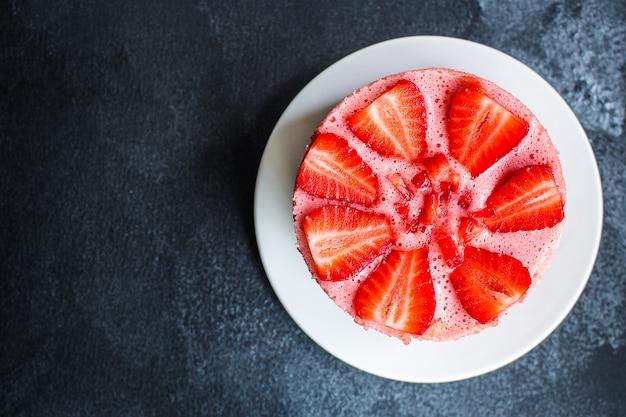 Sernik strawberrie słodki