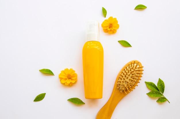 Serum pielęgnacyjne do włosów zniszczonych z grzebieniem szczotkowym