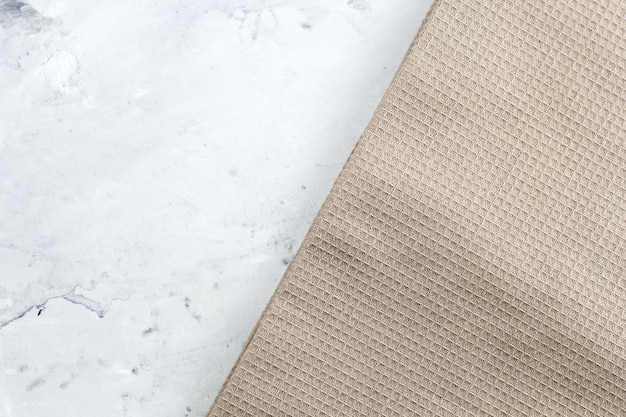 Serwetka widok z góry na marmurowym stole