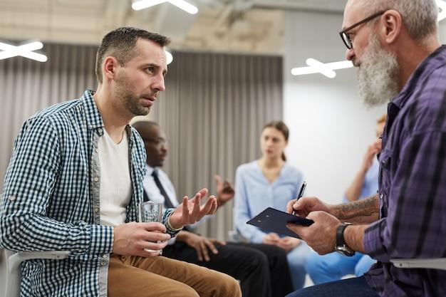 Sesja terapii grupowej