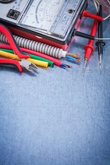 Set elektrycznych artykułów zamknięty widok budowy pojęcie zamknięty