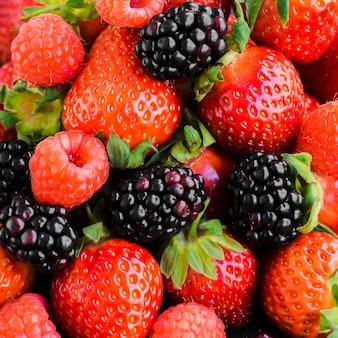 Sezonowe dojrzałe jagody