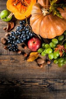 Sezonowe owoce jesieni i dyni