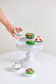 Sezonowe świąteczne mini babeczki deserowe