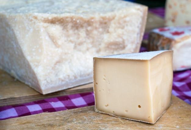 Sezonowe włoskie sery