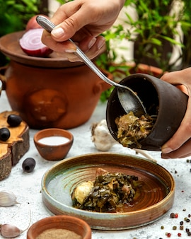Shabzi wykonane z mięsa z zieleniną