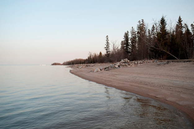 Shoreline lake winnipeg w gimli, manitoba, kanada