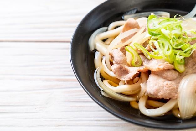 Shoyu udon ramen makaron z wieprzowiną