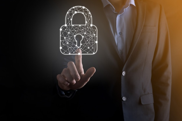 Sieć bezpieczeństwa cybernetycznego. ikona kłódki i sieci technologii internetowej.