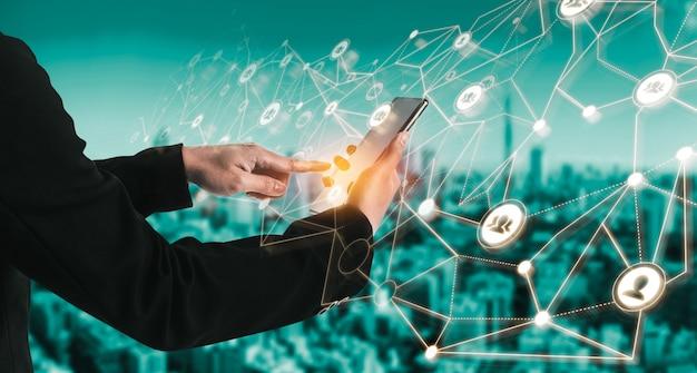 Sieć osób i koncepcja globalnej komunikacji kreatywnej.