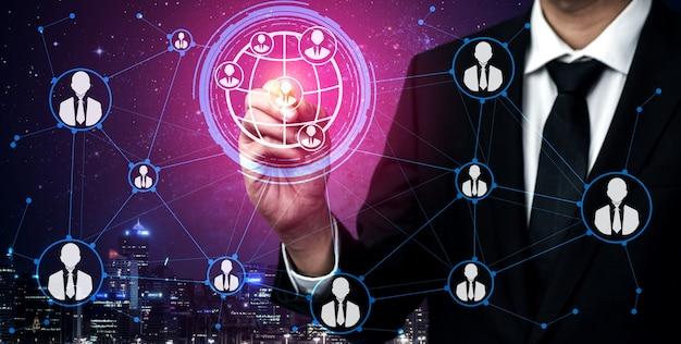 Sieć osób i koncepcja komunikacji globalnej.