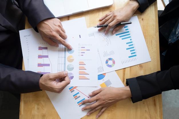 Sieciowy gadżet firmowy touchpad strony współczesnej
