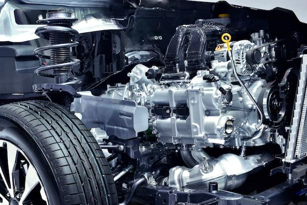 Silnik samochodu i szczegóły mechaniczne w samochodzie