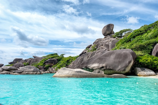 Similan bay żeglarska wyspa skalna w morzu andamańskim