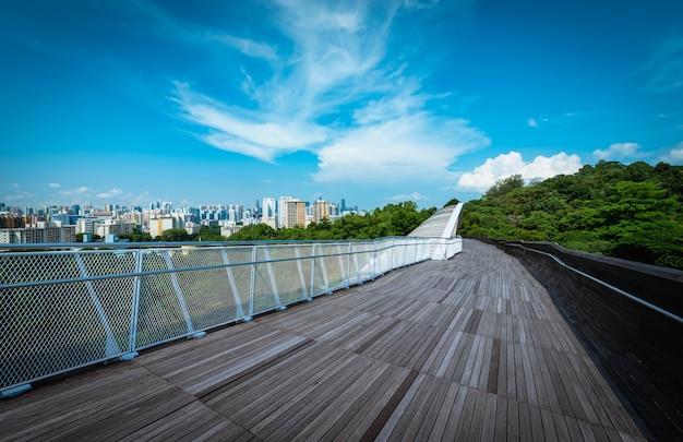 Singapur miasta linia horyzontu i widok drapacze chmur na henderson moscie przy dniem.