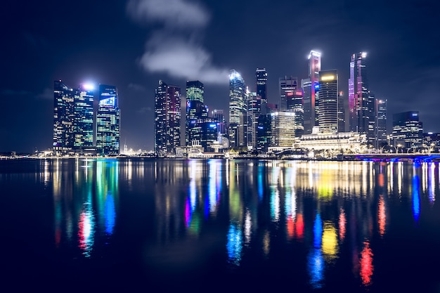 Singapur w nocy