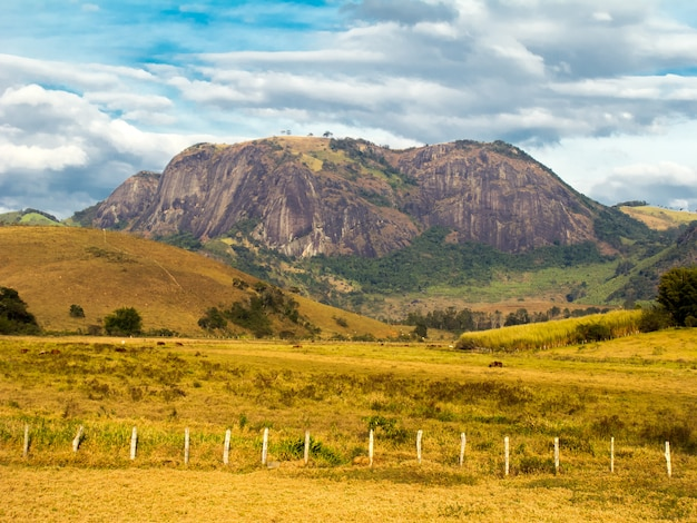 Skalna góra w minas gerais - brazi