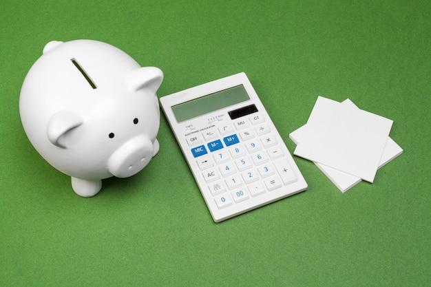 Skarbonka i kalkulator