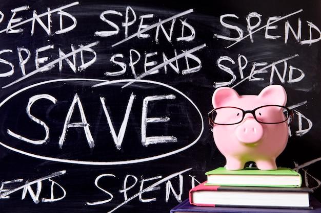 Skarbonka z wiadomością oszczędności